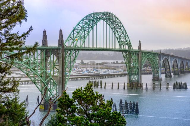 Yaquina Bay Bridge - Oregon's Pacific coast