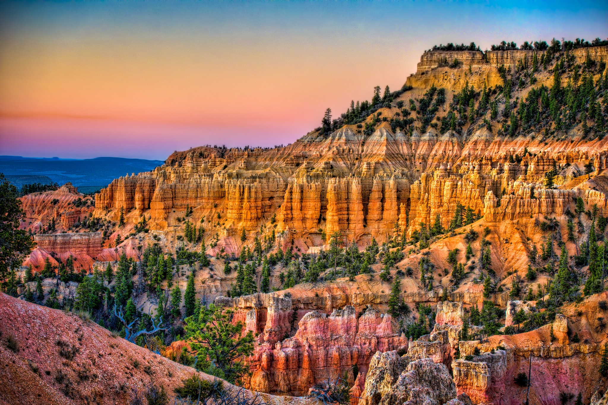 Sunrise at Fairyland Point in Bryce Canyon National Park, Utah.
