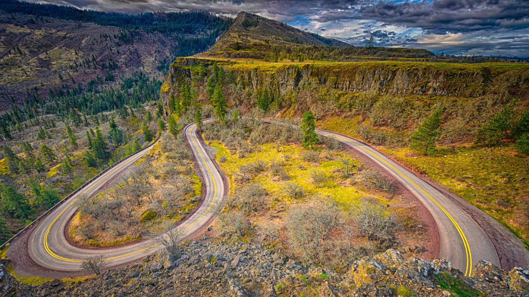 Can See The Loopy S Curve Historic Us Highway 30 Makes As It Winds Its Way South And West To I 84 That Cuts Through Columbia River Gorge In Oregon