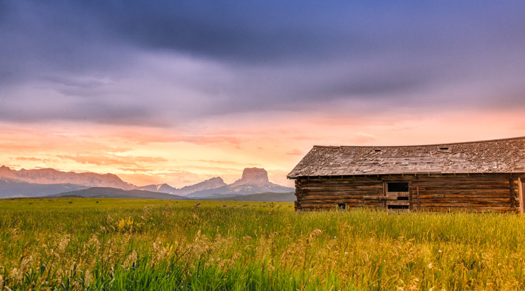 This log barn sits in the middle of a prarie, just east of theGlacier National Park boundary on Highway 89 between Babb and Conway, Montana.