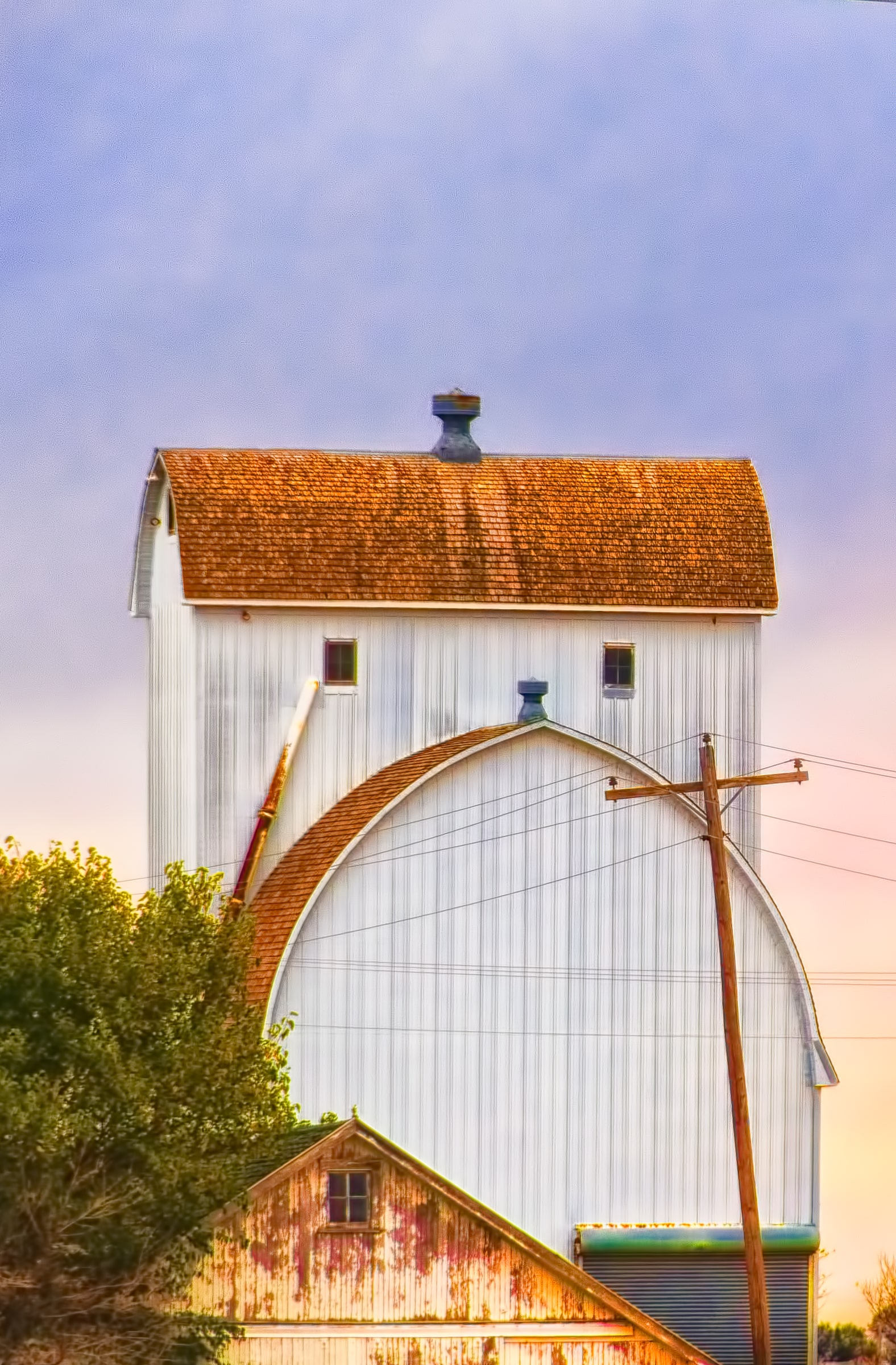 White-painted arched-roof Nebraska barn.