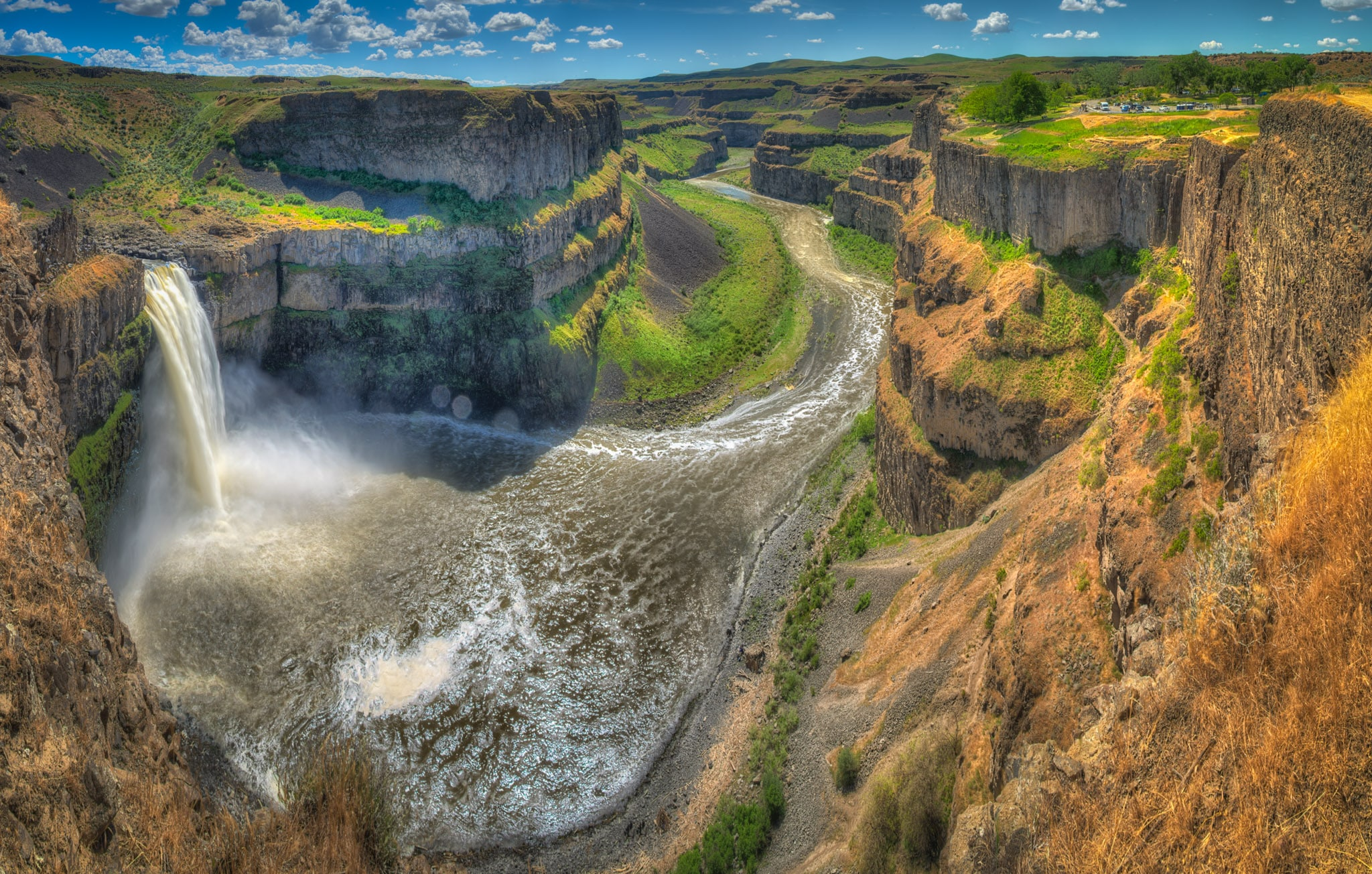 This panorama shows not only Palouse Falls, but also the columnar balsalt canyon of the Palouses River as it head south to join the Snake River, near Perry, Washington.