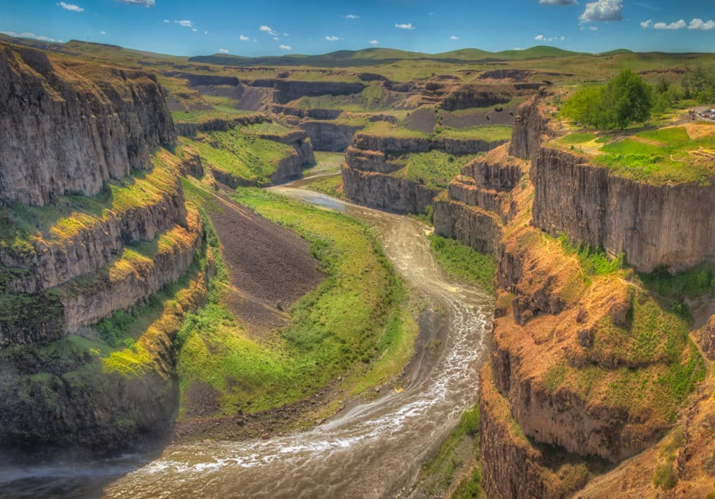 This is the columnar Bassalt canyon of the Palouse River after it flows over Palouse Falls in Palouse Falls State Park near Spokane, Washington.