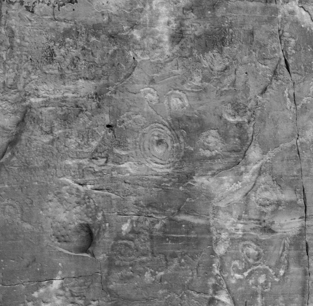 This petroglyph behind Chetro Ketl is interesting because it is more than a plain spiral. This one has arms extending outward with small spirals at the ends. A similar petroglyph found in Chaco was interpreted by the University of Colorado to be a representation of a total solar eclipse that took place July 11, 1097.