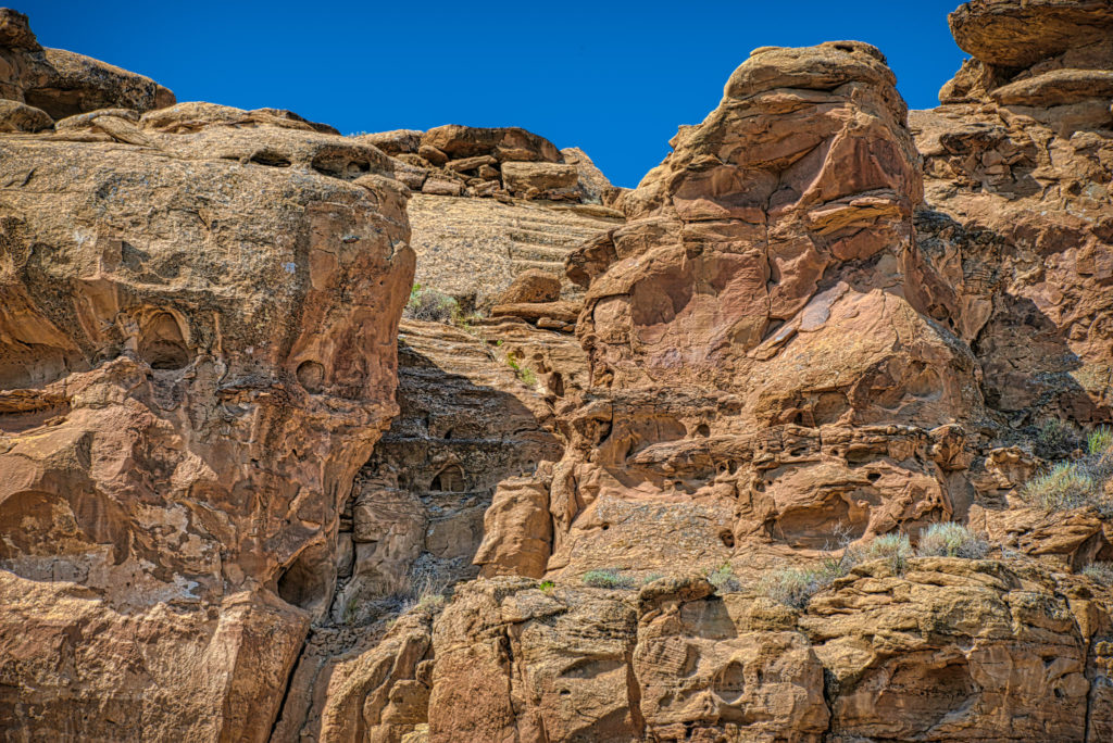 This Chacoan Stairway is located south of Chetro Ketl, across Chaco Wash, and cuts up the southern canyon wall.