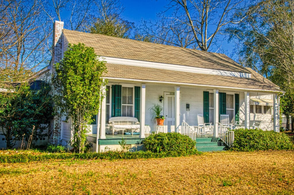 This 1840 house was the home of one of the first doctors in Evergreen, Alabama.